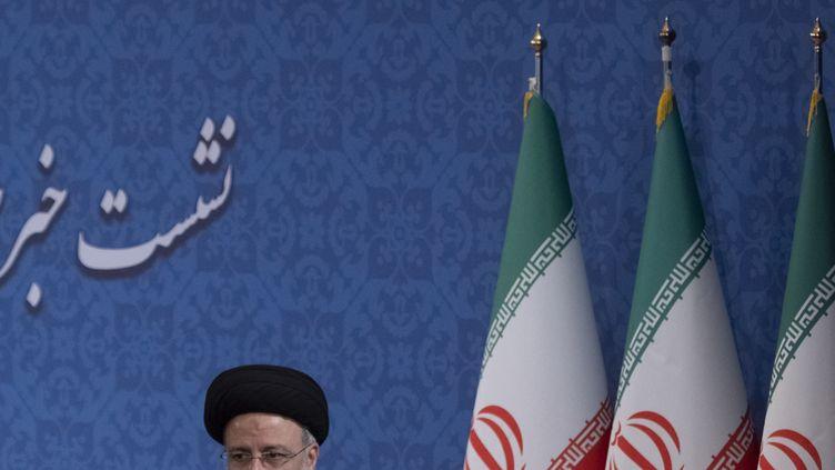 Le président iranienEbrahim Raïssi à Téhéran, en Iran, le 21 juin 2021. (MORTEZA NIKOUBAZL / NURPHOTO / AFP)