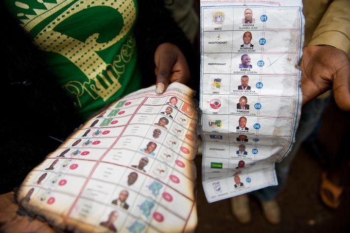 Les bulletins de vote de la présidentielle congolaise qui se déroule le lundi 28 novembre 2011. (PHIL MOORE / AFP)