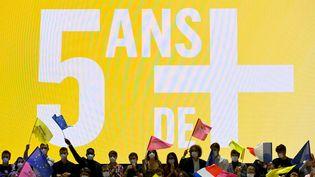 """Des militants LREM réunis à Avignon (Vaucluse) lors du """"Campus 2021"""" organisé par le mouvement macroniste le 3 octobre 2021 (NICOLAS TUCAT / AFP)"""