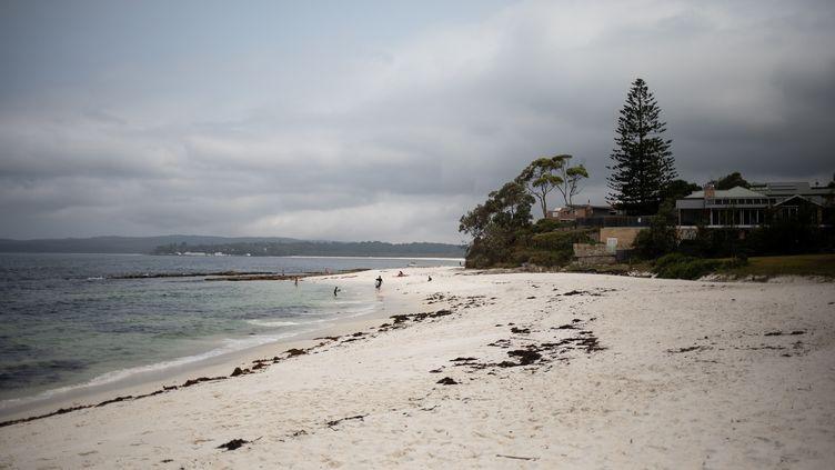 Une plage à Hyams Beach, en Australie, le 7 janvier 2020. (ALKIS KONSTANTINIDIS / REUTERS)