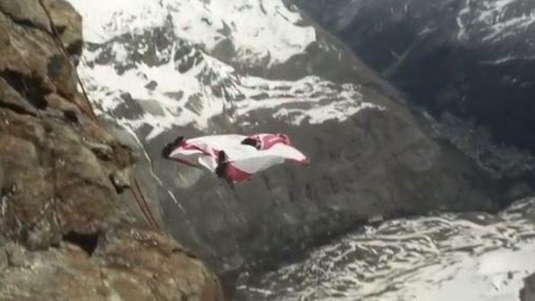 Wingsuit (FRANCE 2)