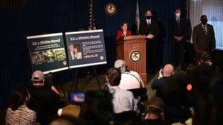 La procureure fédérale Audrey Strauss annonce l'arrestation de Ghislaine Maxwell,le 2 juillet 2020, lors d'une conférence de presse à New York (Etats-Unis). (JOHANNES EISELE / AFP)