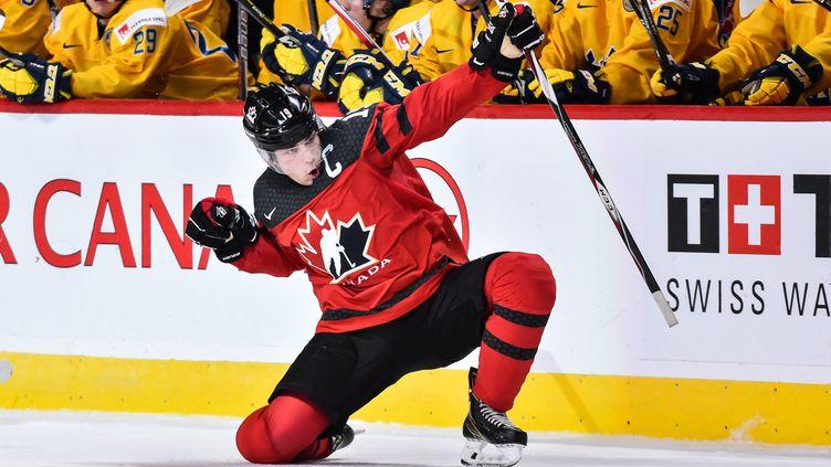 Dylan Strome, ici avec l'équipe du Canada face à la Suède, en demi-finale du championnat du monde junior, le mois dernier. (MINAS PANAGIOTAKIS / GETTY IMAGES NORTH AMERICA)