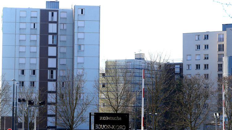 """Le quartier de la""""Croix-Rouge"""" à Reims où un journaliste a été agressé samedi 27 février 2021. (FRANCOIS NASCIMBENI / AFP)"""