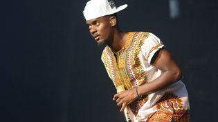 Le rappeur français Black M lors d'un concert à Bruxelles (Belgique), le 19 août 2015. (OLIVIER GOUALLEC / AFP)
