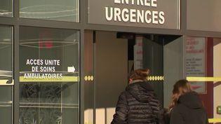 Faute d'infirmiers en nombre suffisant, l'unité hivernale de l'hôpital de Roubaix (Nord) ne pourra pas ouvrir à temps. (France 2)