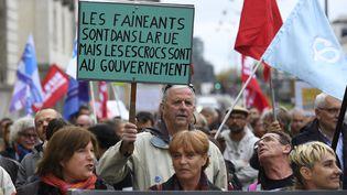 Manifestation de fonctionnaires contre la suppression de 120 000 fonctionnaires à Rennes (Ille-et-Vilaine), le 10 octobre 2017. (DAMIEN MEYER / AFP)