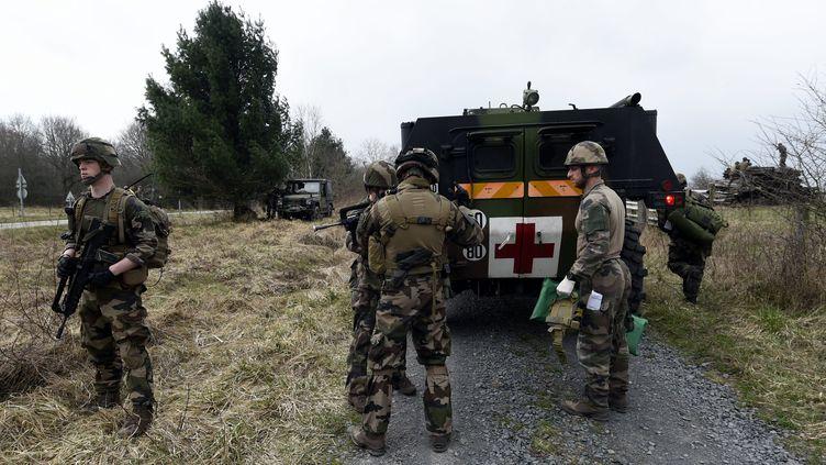 Des militaires lors d'un exercice àChenevières (Meurthe-et--Moselle). (MAXPPP)