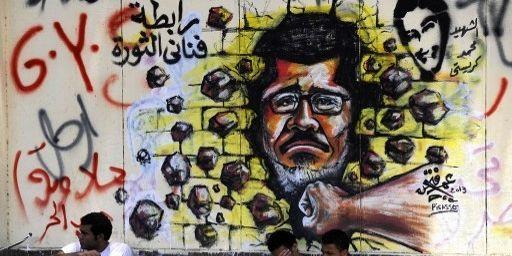 Graffiti anti-Morsi sur un mur du Caire. (MOHAMMED HOSSAM / ANADOLU AGENCY)