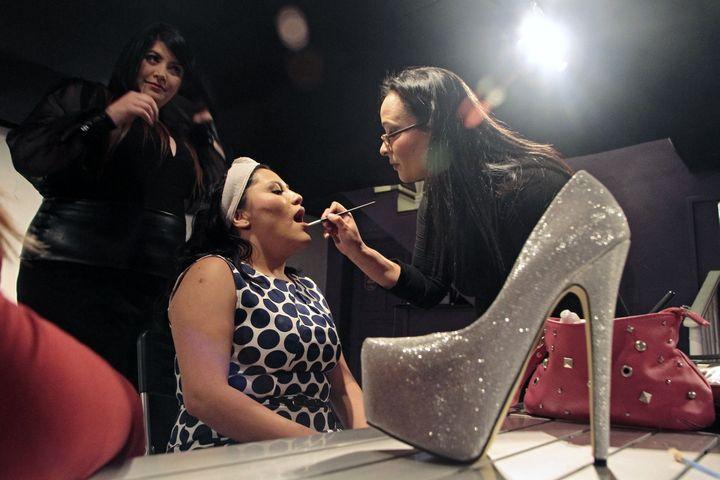 Des mannequins de l'agence Plus Trends, le 19 mai 2014, à Quito (Equateur). (JUAN CEVALLOS / AFP)