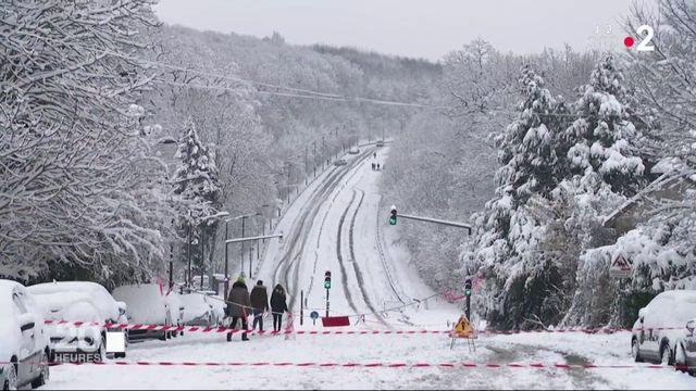 Intempéries : ceux qui combattent la neige