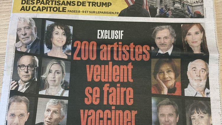 La Une du journal Le Parisien, qui publie le 7 janvier 2021 un engagement de 200 artistes à se faire vacciner contre le covid-19 (Sophie Jouve / franceinfo Culture)