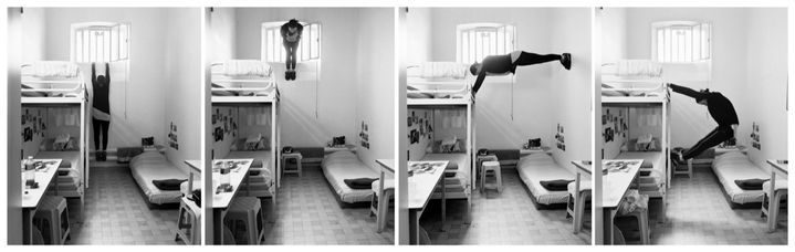 En appui, 2019. Quartier des femmes de la maison d'arrêt de Rouen, septembre 2017, tirages optiques sur papier argentique, 80 x 100 cm. (Maxence Rifflet)
