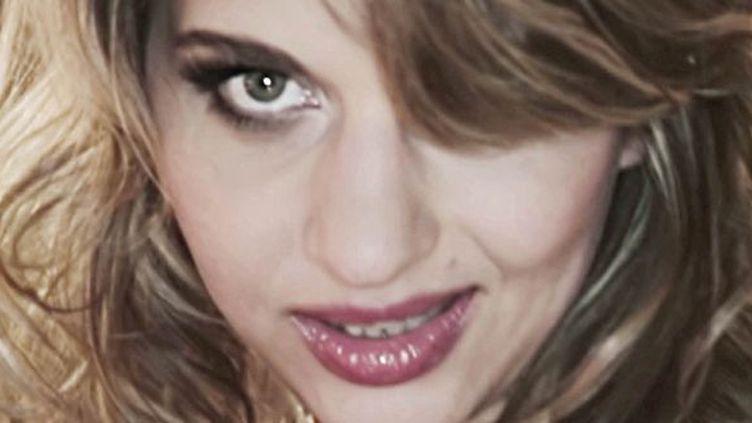 """Amandine Bourgeois dans le clip """"L'enfer et moi""""  (DR)"""