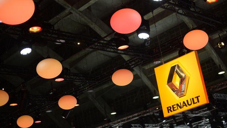 Le stand Renault lors d'un salon automobile à Bruxelles (Belgique), le 14 janvier 2015. (LAURIE DIEFFEMBACQ / BELGA MAG / AFP)
