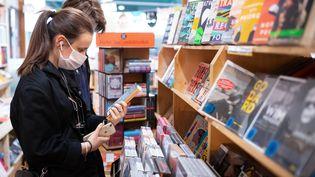 Les programmes de parution des nouveautés littéraires ont été réduits de 25% à 50% selon les éditeurs. (SVEN HOPPE / DPA)