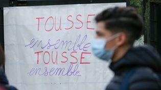 Les enseigants du lycée Baudelaire, à Roubaix (Nord), ont lancé une grève pour une amélioration des conditions de travail en pleine épidémie de Covid-19, le 3 novembre 2020. (MAXPPP)