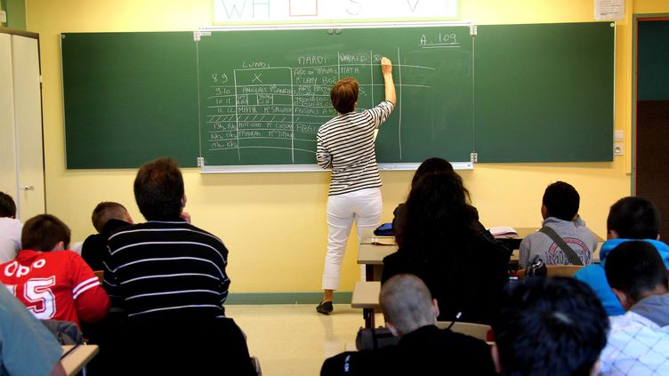 Une classe d'un collège de Douai (Nord), le 5 septembre 2011. (MAXPPP)