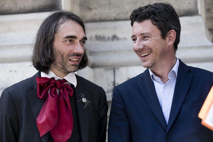 Cédric Villani et Benjamin Griveaux lors de la campagne des législatives, en juin 2017. Aujourd'hui, les deux hommes ne s'adressent même plus la parole. (MAXPPP)