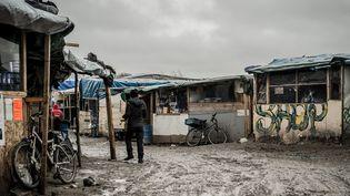 """L'entrée de la """"Jungle"""" de Calais le 20 février 2016.  (Julien Pitinome / NurPhoto / AFP)"""