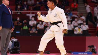 La judokate Amandine Buchard réagit après sa qualification pour la finale olympique, le 25 juillet 2021 à Tokyo. (JACK GUEZ / AFP)