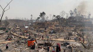 Le camp de réfugiés à Cox's Bazar (Bangladesh) après l'incendie qui a fait au moins six morts, le 23 mars 2021. (STRINGER / ANADOLU AGENCY / AFP)