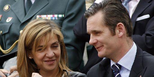 L'infante d'Espagne avec son mari,Iñaki Urdangarin, lors de l'open de tennis de Barcelone, le 29 avril 2007. (REUTERS - Albert Gea )