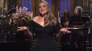 """La chanteuse britannique Adele dans l'émission """"Saturday Night Live"""" sur NBC le 24 octobre 2020. (SNL - NBC)"""