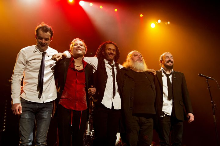 Ange sur scène à Saint-Amand en février 2018. De gauche à droite :Benoît Cazzulini (batterie),Thierry Sidhoum (basse),Hassan Hajdi (guitare, choeurs),Christian Décamps (chant, guitare, claviers),Tristan Décamps (claviers, choeurs) (DELHALLE BERNARD)