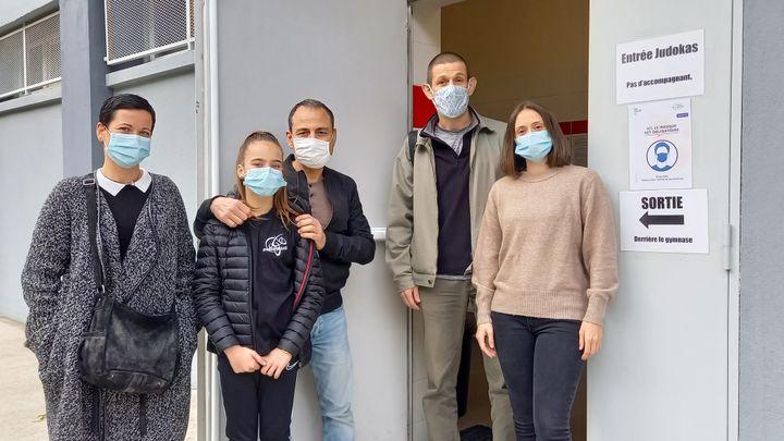 Laetitia, Lou, Eric, Jean-Michel et Megane attendent la reprise de l'activité au club Massilia Judo. (JEAN-PIERE BLIMO)
