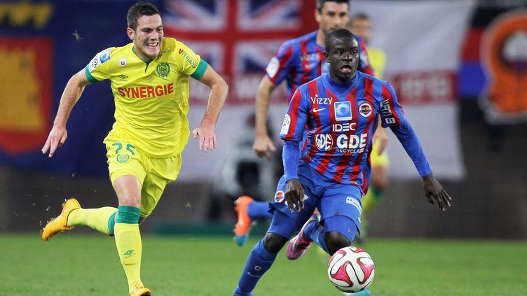 N'Golo Kanté s'est engagé pour quatre ans avec Leicester et retrouvera l'ancien nantais Jordan Veretout sur les pelouses anglaises. (CHARLY TRIBALLEAU / AFP)