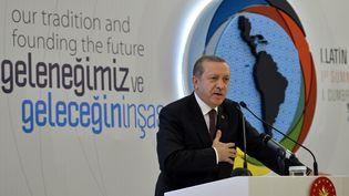 Le président turc Recep Tayyip Erdogan lors du premier sommet des leaders religieux musulmans d'Amérique latine, le 15 novembre à Istanbul (Turquie). ( ANADOLU AGENCY / AFP)