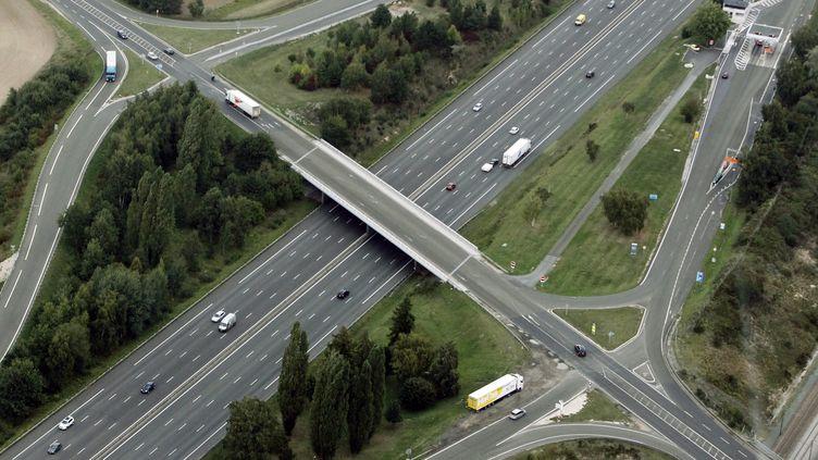 L'autoroute A10 près du péage de Saint-Arnoult, dans les Yvelines. (JOEL SAGET / AFP)