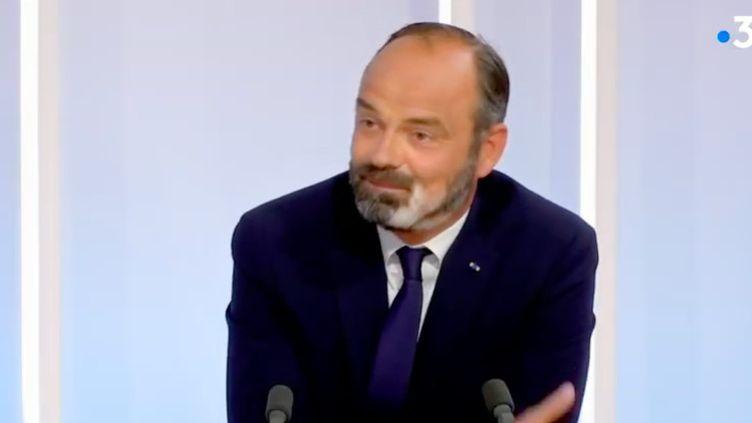 Le Premier ministre et candidat à la mairie du Havre (Seine-Maritime), lors d'un débat face à son adversaire au second tour, Jean-Paul Lecoq, lundi 22 juin 2020. (FRANCE 3 NORMANDIE)
