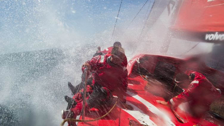 Charles Caudrelier sur le voilier chinois Dongfeng
