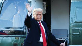 Donald Trump quitte la Maison Blanche, à Washington (Etats-Unis), au dernier jour de son mandat, le 20 janvier 2021. (MANDEL NGAN / AFP)