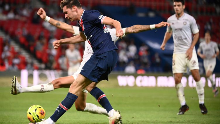 Julian Draxler a retrouvé le chemin des filets en L1 avec le PSG contre Metz (FRANCK FIFE / AFP)