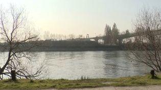 Val-d'Oise : une adolescente retrouvée noyée dans la Seine, deux jeunes interpellés. (FRANCEINFO)