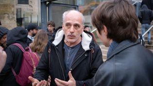 Philippe Poutou, le 27 janvier 2020, lors d'une manifestationdevant le tribunal judiciaire de Bordeaux (Gironde). (VALENTINO BELLONI / HANS LUCAS / AFP)