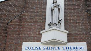 La façade de l'une des églises de Villejuif (Val-de-Marne) visées par Sid Ahmed Ghlam, en avril 2015. (KENZO TRIBOUILLARD / AFP)