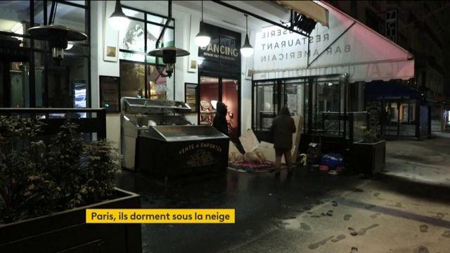 Paris : de nombreux sans-abris dorment sous la neige