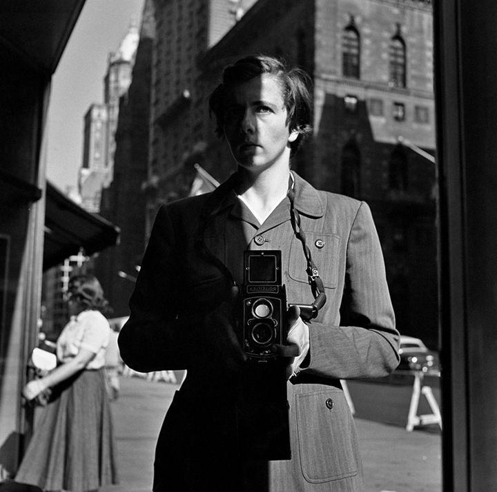 Vivian Maier, new York, NY, 18 octobre 1953  (Vivian Maier / Maloof Collection, Courtesy Howard Greenberg Gallery, New York)