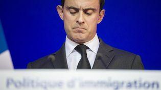 Manuel Valls, le ministre de l'Intérieur, lors d'une conférence de presse, à Paris, le 31 janvier 2014. (FRED DUFOUR / AFP)