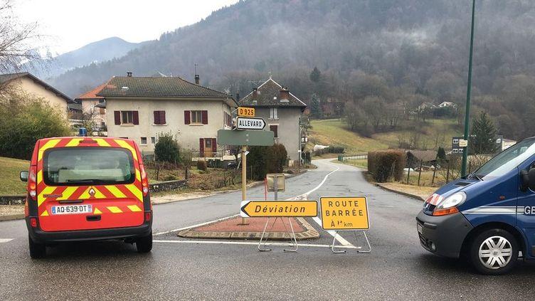 Les services de secours à Détrier (Savoie), le 5 janvier 2018. (XAVIER DEMAGNY / RADIO FRANCE)