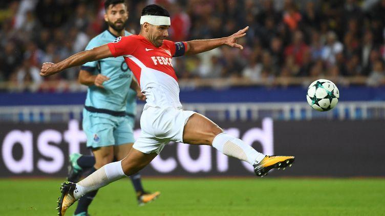 Radamel Falcao, front bandé lors du match aller contre Porto