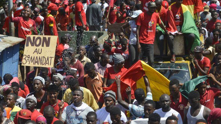 Manifestation contre un troisième mandat du président Alpha Condé, le 7 novembre 2019 à Conakry, en Guinée. (CELLOU BINANI / AFP)