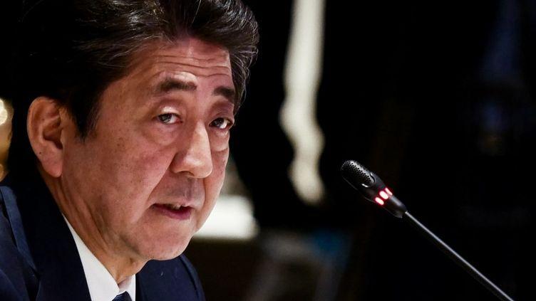 Le Premier ministre japonais Shinzo Abe le 4 novembre 2019, en Thaïlande. (ANTON RAHARJO / ANADOLU AGENCY)