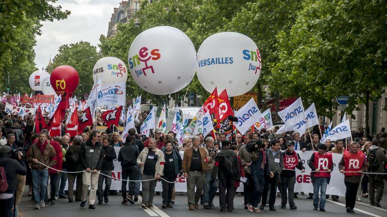 Des enseignants manifestent contre la réforme du collège, à Paris, le 19 mai 2015. (YANN KORBI / CITIZENSIDE / AFP)