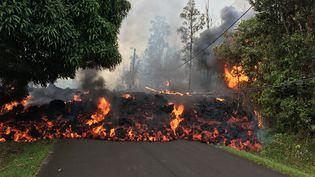 Des coulées de lave du volcan Kilauea sur la Grande île d'Hawaï (Etats-Unis), le 6 mai 2018. (HANDOUT / USGS / ANADOLU AGENCY)