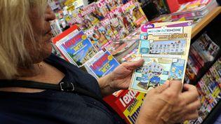 LaFrançaise des jeux lance lundi 2 septembre de nouveaux tickets pour son Loto du patrimoine, dont un à trois euros. (JULIO PELAEZ / MAXPPP)